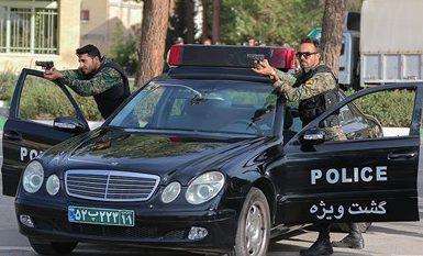 پلیس در حال تعقیب عاملان تیراندازی در فسا