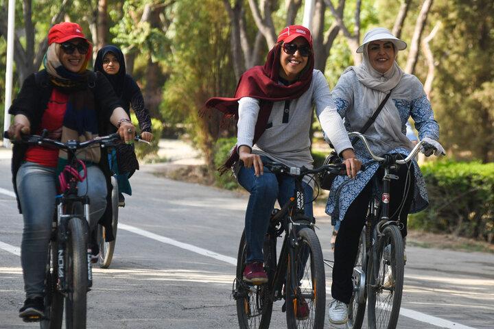 دوچرخهسواری زنان در پایتخت و محدودیتی که وجود ندارد