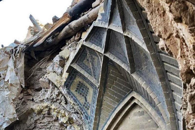 خانه هایی که در سایه تخریب می شوند