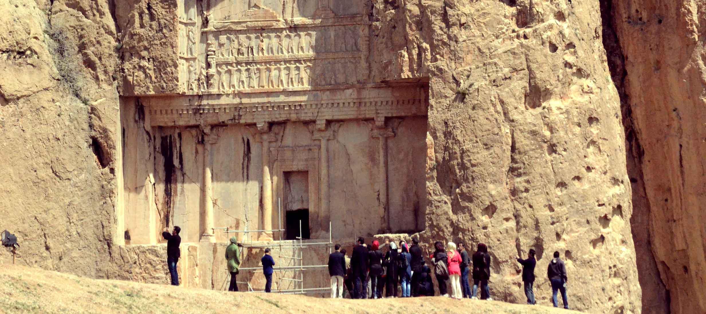اظهارات غیرکارشناسی صنعت گردشگری را دچار مشکل میکند