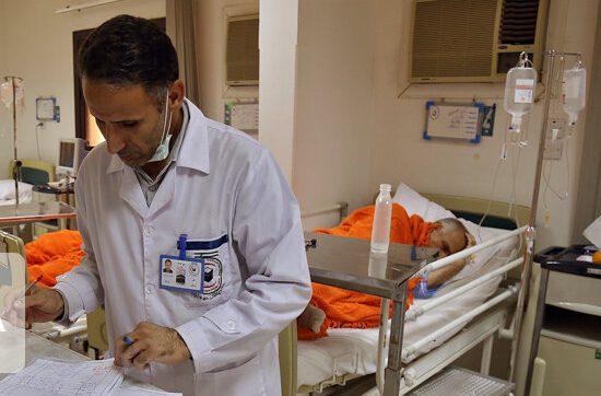 نخستین بیمار مبتلا به کرونا در اراک از بیمارستان مرخص شد