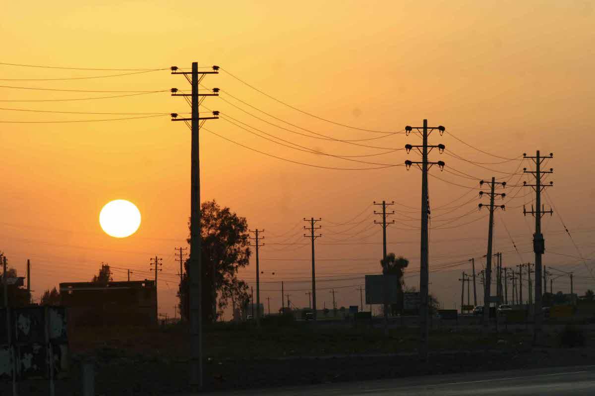 سرمایه گذاری ۱۰ میلیارد ریالی  در شبکه  تامین  و انتقال  برق جنوب شرق شیراز
