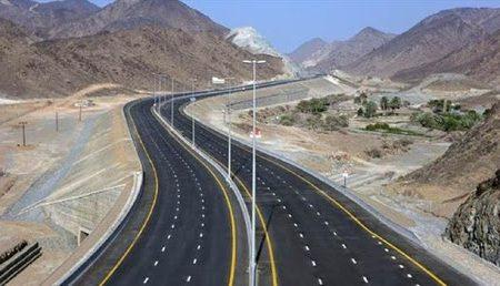 بزرگراه شیراز اصفهان ۱۴۰۰ به بهره برداری می رسد