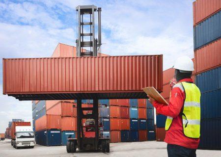 نباید به هر کالایی برچسب قاچاق زده شود/ الزام به تسهیل شرایط صادرات و واردات کالا