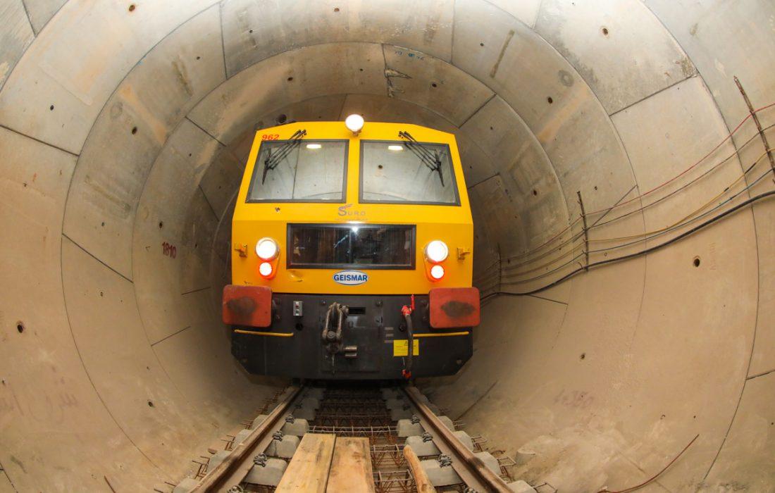 تامین، راه اندازی و نصب تجهیزات در خط دو مترو آغاز شده است