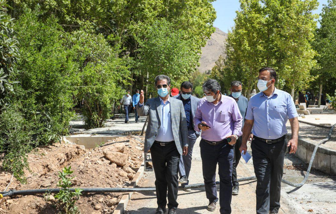 شهردار شیراز از روند اجرایی پروژه باغ ایرانی بازدید کرد