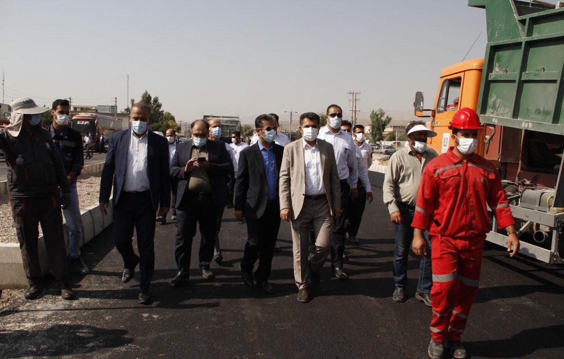 گزارش تصویری  بازدید شهردار و رییس سازمان حمل و نقل ریلی شهرداری شیراز از خط دو مترو و تست گرم مسیر از ایستگاه قهرمانان واقع در میانرود تا عادل آباد